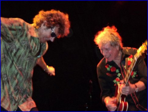 Elvin and Mickey Thomas hamming it up during a jam